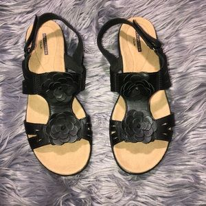 Women's Collection Clark's Sandal Size 9.5